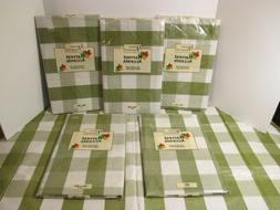 Christmas Holiday Green White Plaid Vinyl & Flannel Backed E