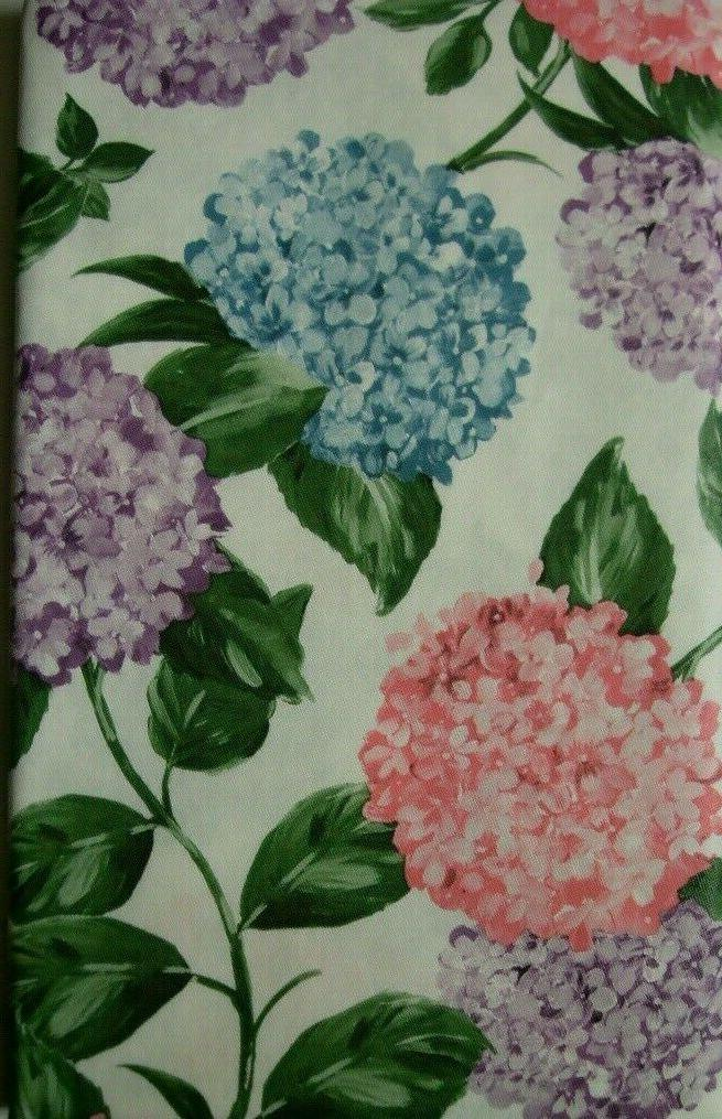 ASSORTED TABLECLOTHS