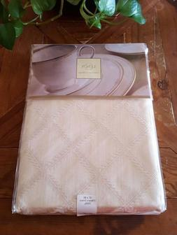 "NIP! Lenox Fine Table Linens Ivory Laurel Leaf 70x86"" Oval T"